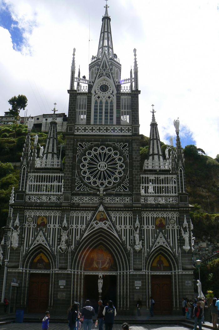 Santuário de Las Lajas, a igreja do abismo